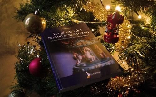 Una composizione natalizia con La giostra del tempo senza tempo, di Cacciamani