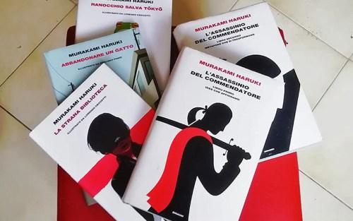 La copertina del nostro articolo sul perché leggere Murakami Haruki: le copertine dei suoi libri