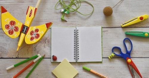 Un quaderno, simbolo dell'istruzione