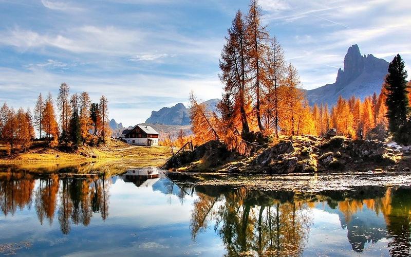 Le Dolomiti sono un ottimo posto per ammirare i colori autunnali