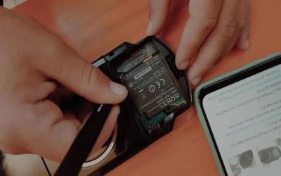 Ha senso riparare uno smartphone? I Restarter e l'impatto della tecnologia sull'ambiente