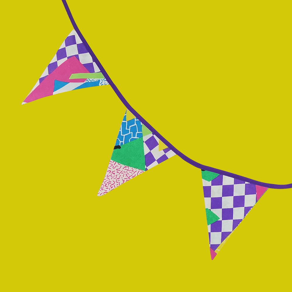 guirlande fanions écolo damiers violet