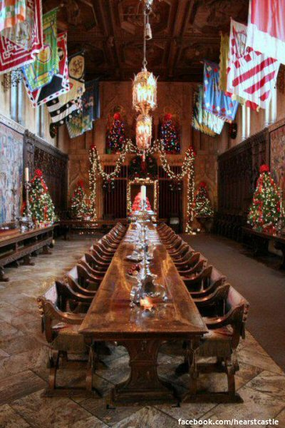 A Hearst Castle Christmas  A grand backdrop for decorating sure to stir up envy