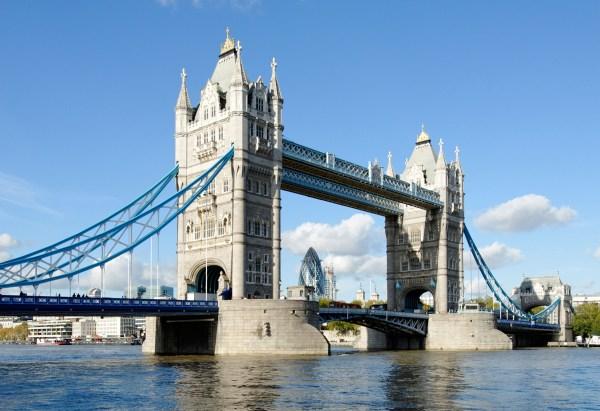 Tower Bridge Insider' Guide - Discover Britain