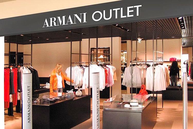 armani outlet lake como a local guide