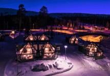 Santa' Hotel Aurora Glass Igloos - Discovering Finland