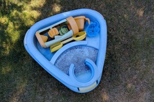 Super Easy Water Table Makeover