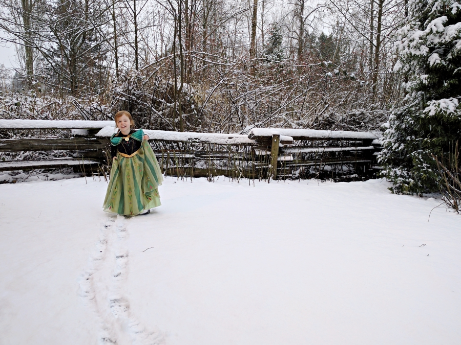 Evie dressed as Princess Anna