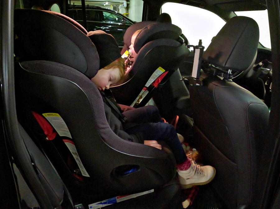 Honda Ridgeline fits two Clek Foonf car seats