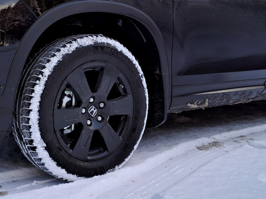 2017 Honda Ridgeline Black Edition tires and rims