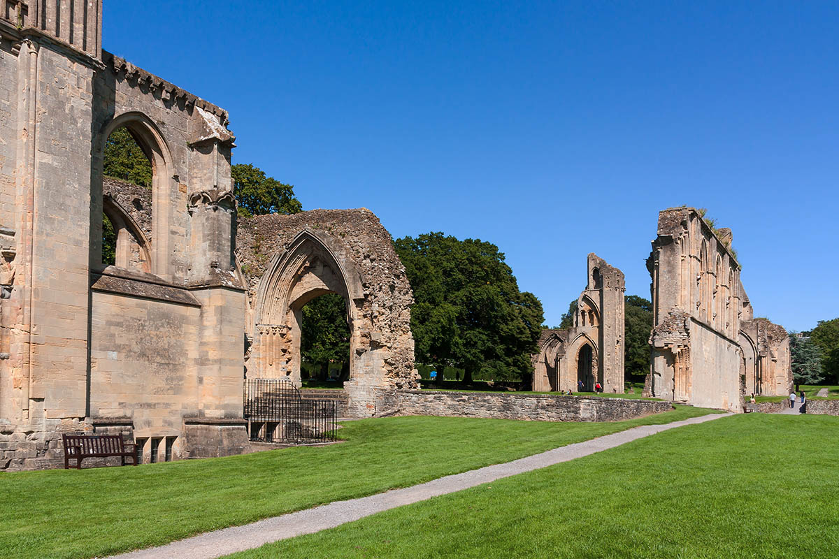 Discover London - Special Interest tours - Glastonbury Abbey