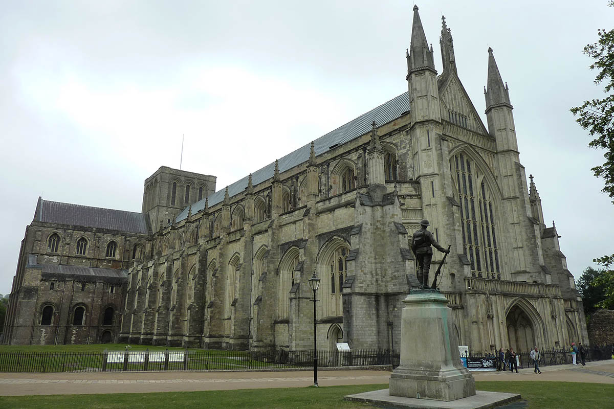 Discover London - Special Interest tours - Winchester Cathedral