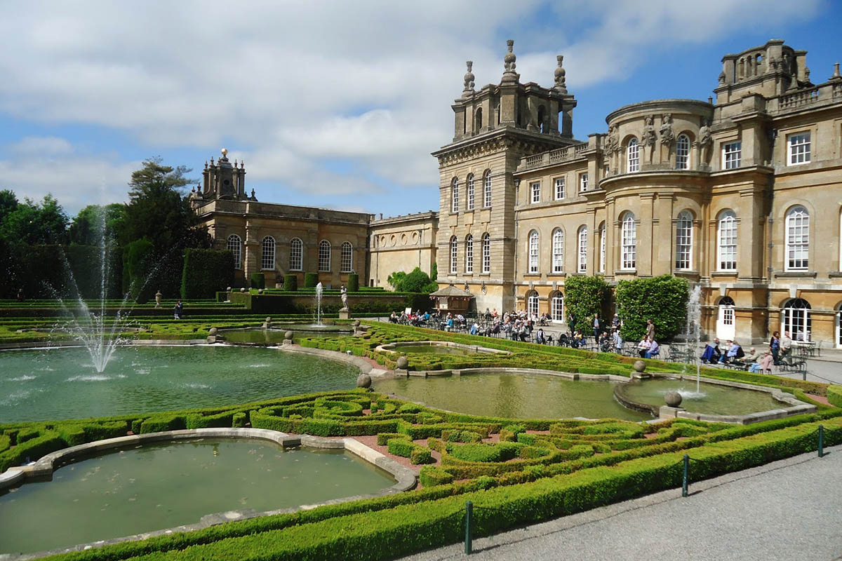 Discover London - Day Tours from London - Bleinham Palace