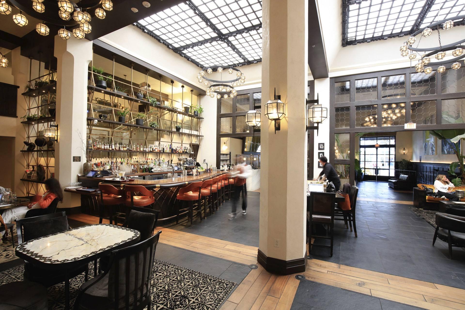 ' Hotel Figueroa Discover Los Angeles