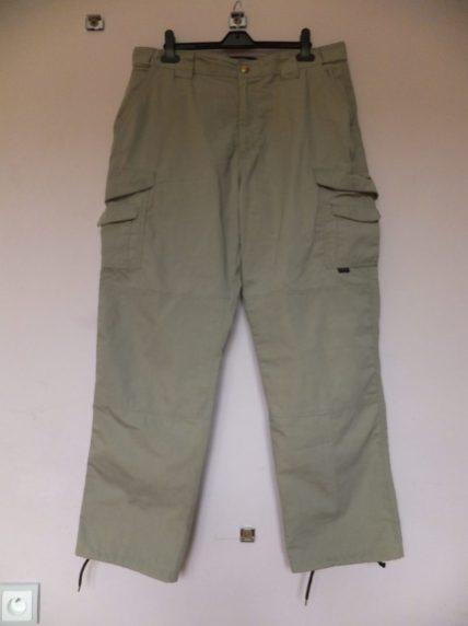 Tru-Spec 24-7 trousers. Front view showing leg and hip pockets, reinforced knees and fastenings.