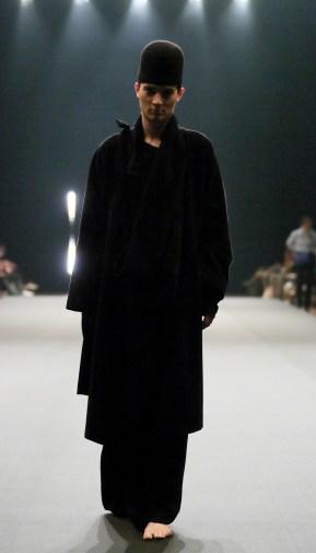 ModeSuisse_Edition12_Zuerich_De_Niz-Christa_de_Carouge_Look01_Copyright_Boris_Marberg