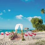 A beach wedding near Pigeon Point, Tobago. Photo: Celeste Hart
