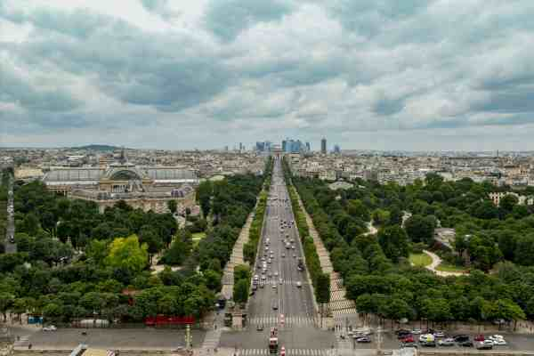 Top 5 Places Eat Champs Elysees - Discover Walks Paris