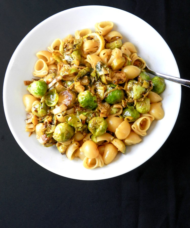 brussels sprouts with leeks, lemon and pasta