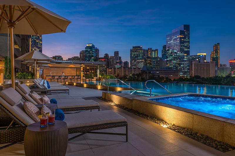 Swimming Pool Resort Hotel In Makati
