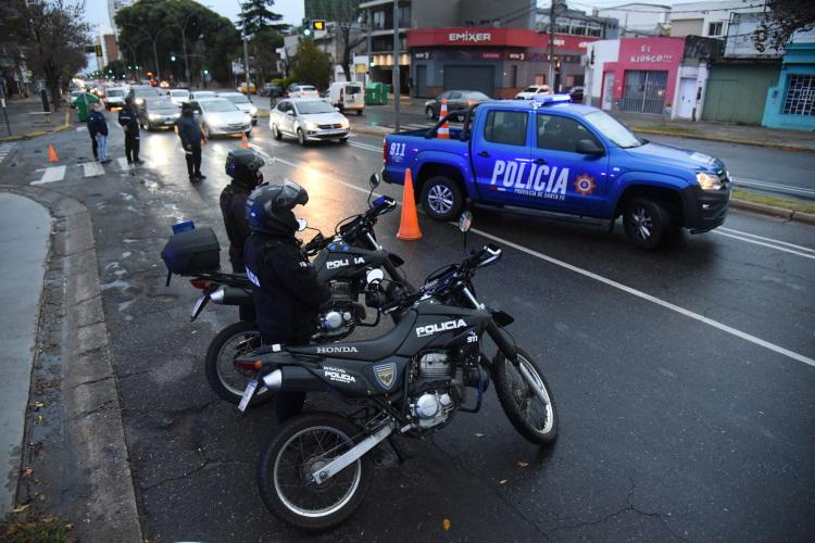 Controles vehiculares por segunda ola de covid en Rosario 2021