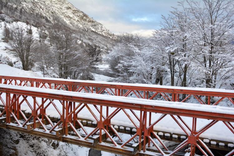 valle del Río Pipo y sus puentes tierra del fuego