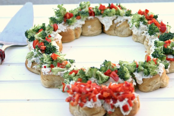 Herbed Cream Cheese Christmas Wreath