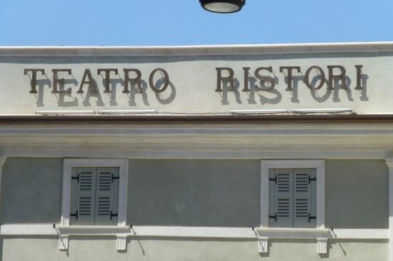insegna teatro ristori verona lettering