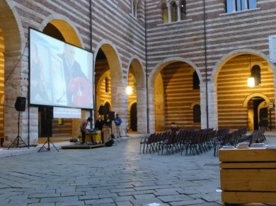 20121011-soundcheckconcertokabekimingletrickfilmfestival