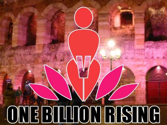 logo e scritta one billion rising con sfondo arena di verona illuminata di rosa