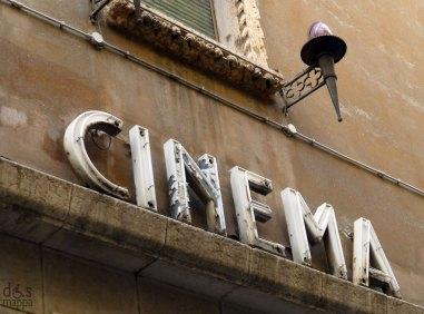 insegna dell'ex cinema teatro corallo a verona - vintage lettering