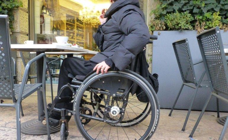 colazione a verona donna disabile carrozzina