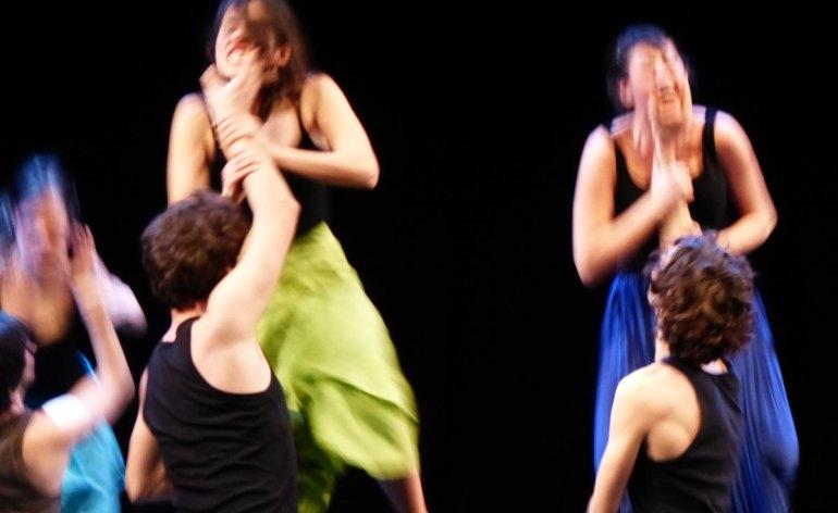 scena dallo spettacolo di lindsay kemp su romeo e giulietta al teatro nuovo di verona