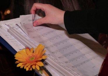 """Testimonianze del progetto Gerbera Gialla nel toccante concerto """"La memoria in musica"""" in ricordo delle vittime della mafia, con l'Orchestra dell'Istituto d'istruzione superiore """"R.Piria"""" di Rosarno, accompagnata dal coro Alive di Verona."""