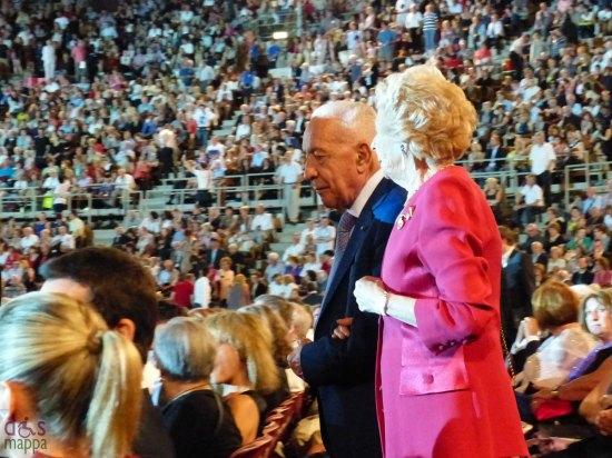 Gianfranco De Bosio e signora alla prima di Aida all'Arena di Verona per il Festival del Centenario
