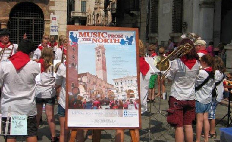 Music from the North è il titolo dell'esibizione musicale di 800 ragazzi, di età compresa tra gli 7 e i 20 anni, che suoneranno e canteranno lungo le strade di Verona e in Piazza Bra' lunedì 24 e mercoledì 26 giugno 2013.