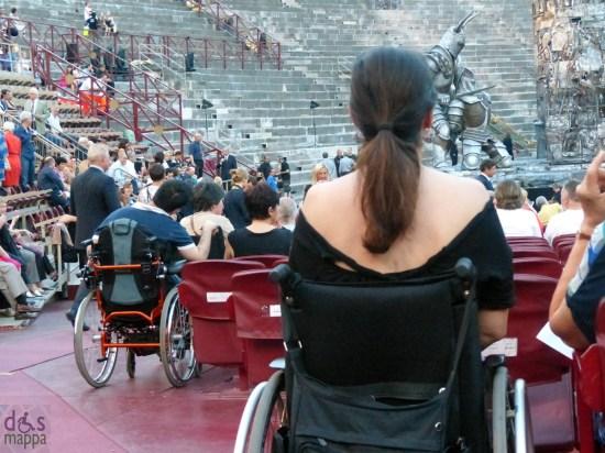 Posti disabili in carrozzina in platea all'Arena di Verona per la prima de Il trovatore di Giuseppe Verdi