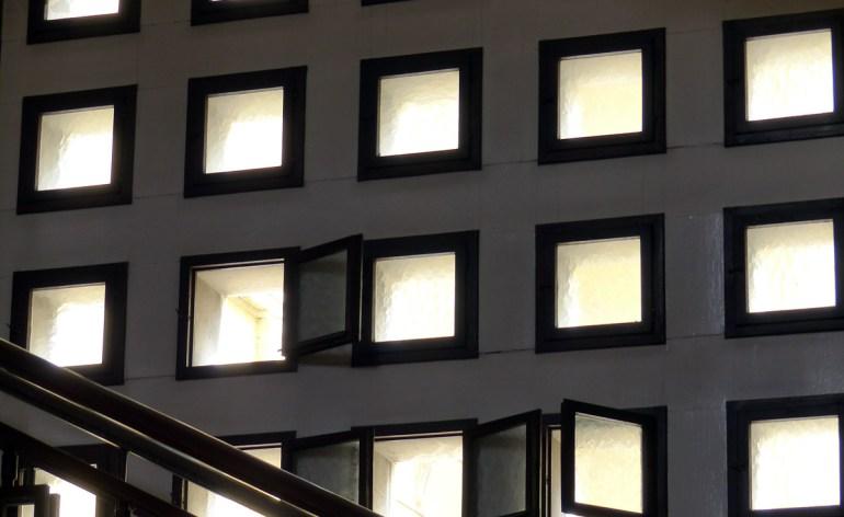 Le finestrelle quadrate di Palazzo Barbieri Comune di Verona