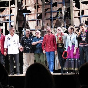 applausi per la prima di molto rumore per nulla al teatro romano di verona