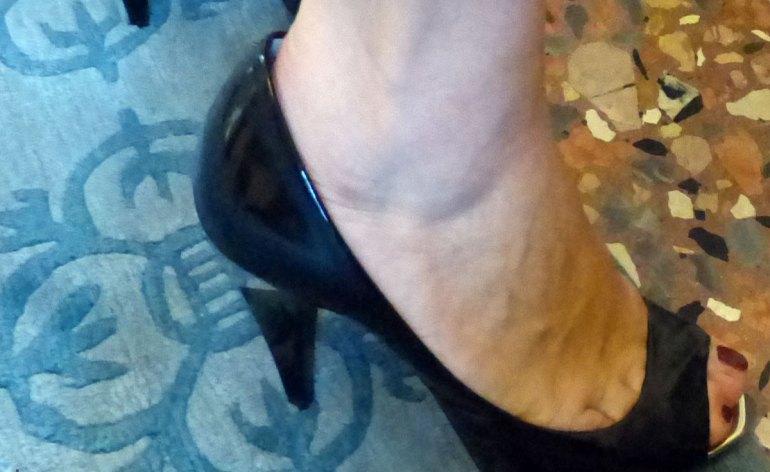 tappeto-comune-verona-riflesso-scarpe