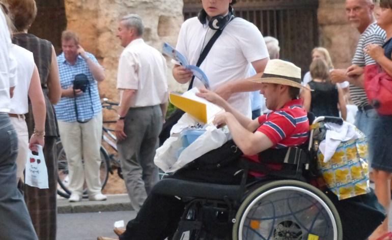 turisti-verona-disabile-carrozzina-arena