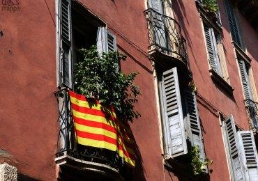 verona-balcone-festa-bandiera-catalana