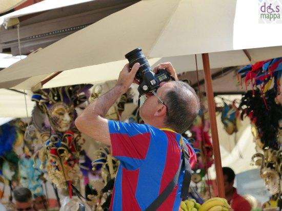 20130825-foto-turista-bancarelle-verona