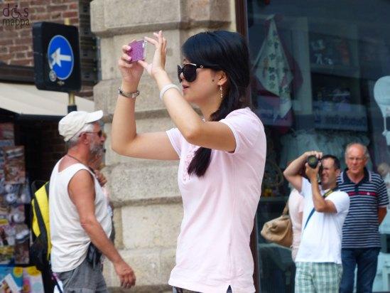 20130825-foto-turista-piazza-erbe-verona