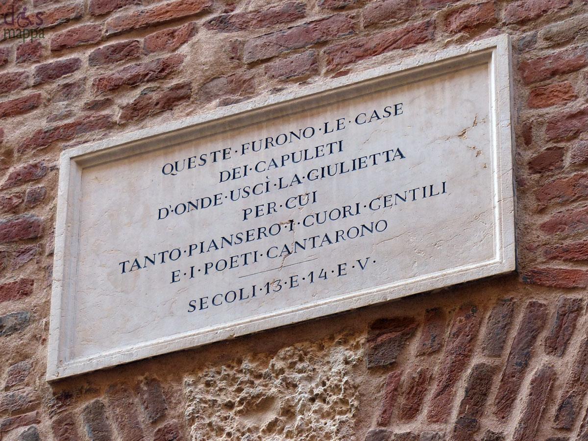 iscrizione-targa-casa-giulietta-restaurata-verona