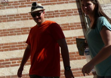 turista-verona-cappello-macchina-fotografica