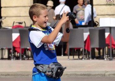 20130909-fotografo-bambino-piazza-bra-verona