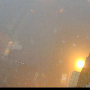 Piazza Dante con la nebbia dalla webcam