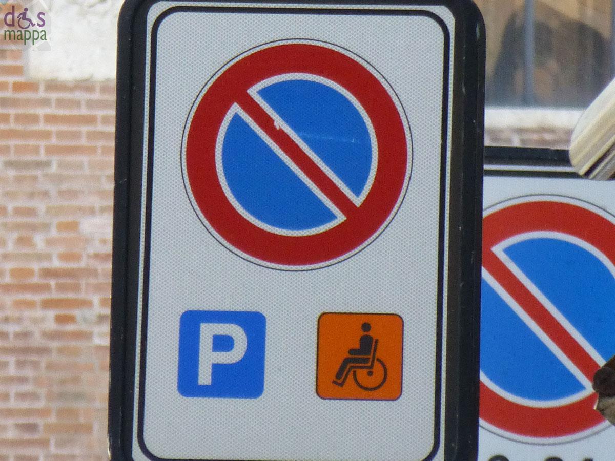 20121014 parcheggio disabili verona