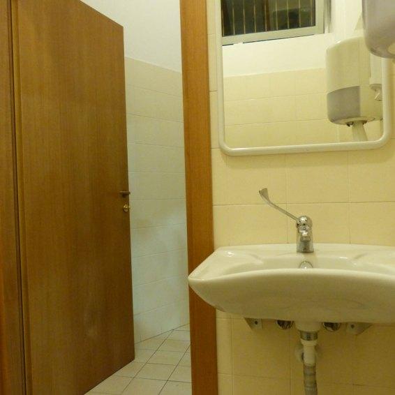 Accessibilit disabili cinema teatro alcione dismappa per verona accessibile - Il bagno teatro ...